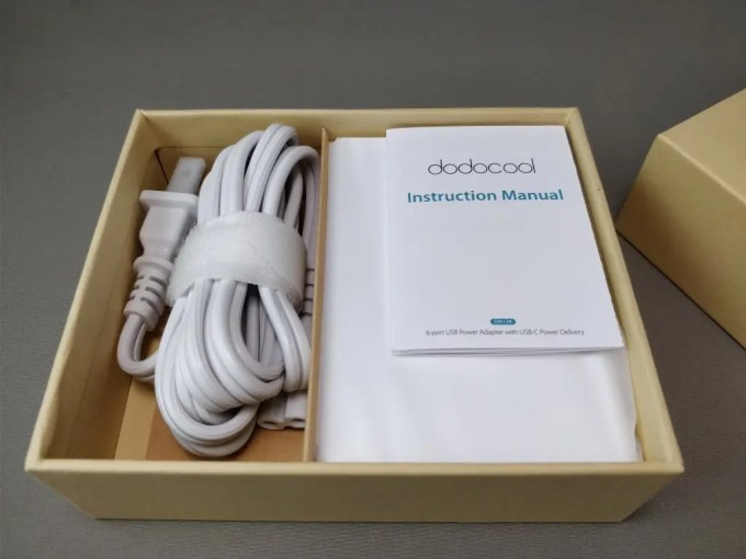 dodocool 60W 6ポート USB急速充電器 化粧箱 開封