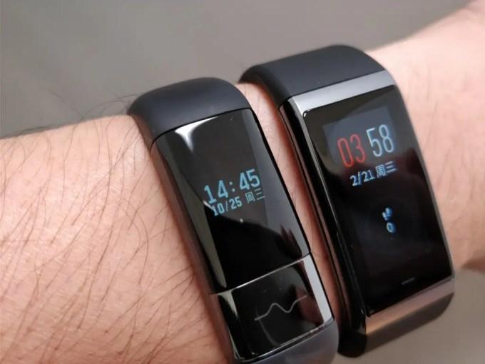 Xiaomi AMAZFIT Heart Rate Smartband  Xiaomi AMAZFIT Heart Rate Smartband  装着