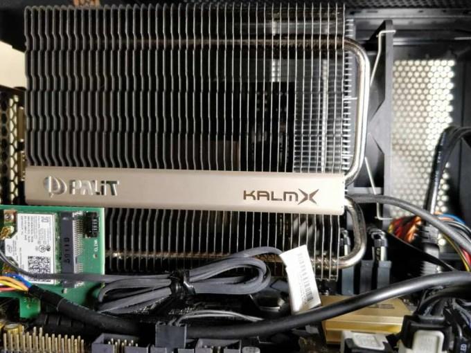 Palit GeForce GTX 1050 Ti KalmX 装着