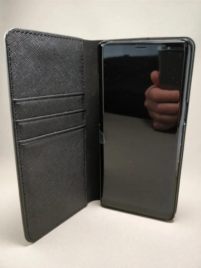 Galaxy note 8 手帳型ケース装着 開く