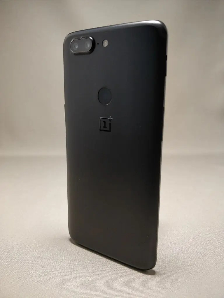 OnePlus 5T 裏4