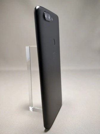 OnePlus 5T 裏17