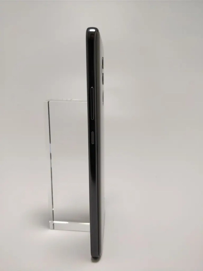 Huawei Mate 10 Pro 裏 4