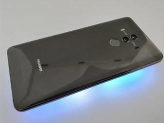 Huawei Mate 10 Pro 裏 斜め ライト