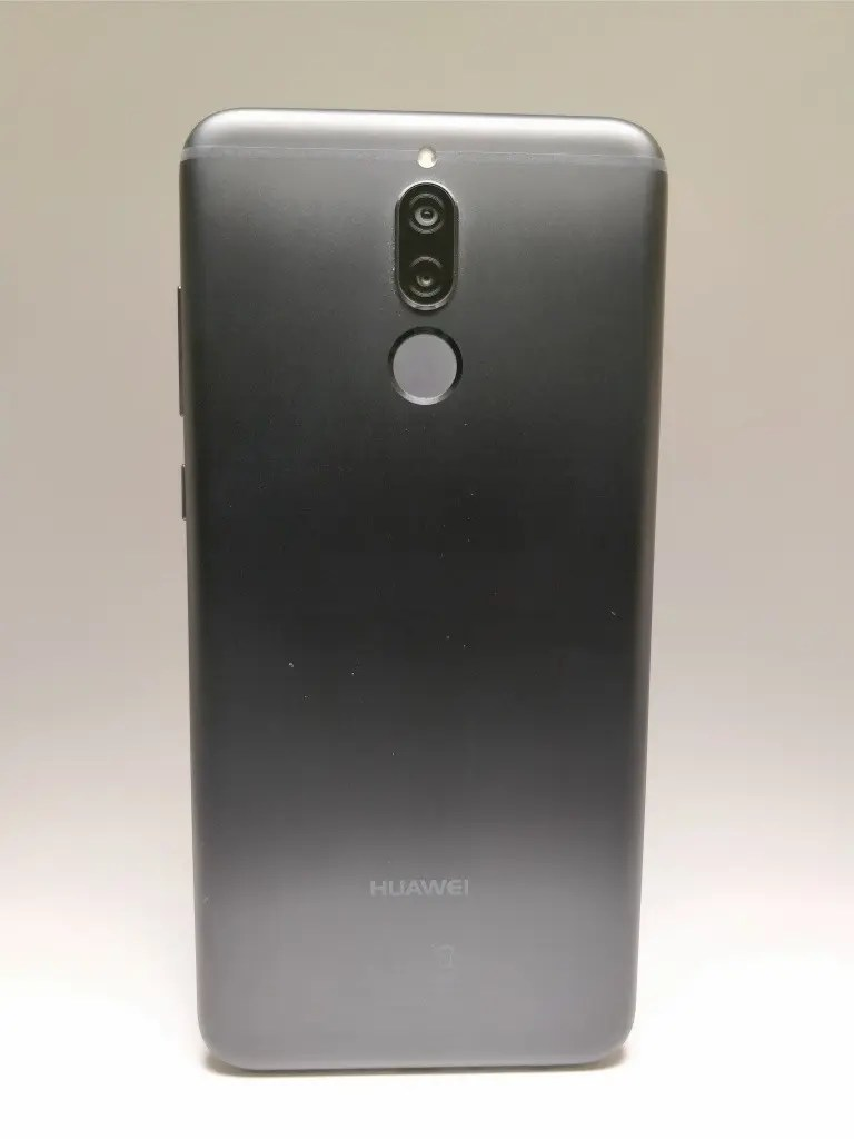 Huawei Mate 10 Lite 裏正面 1