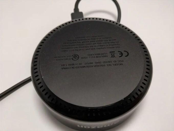 Amazon Echo Dot 裏