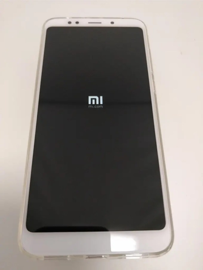 Xiaomi Redmi 5 Plus 起動 MI