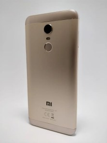 Xiaomi Redmi 5 Plus 裏 7
