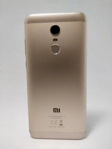Xiaomi Redmi 5 Plus 裏 11