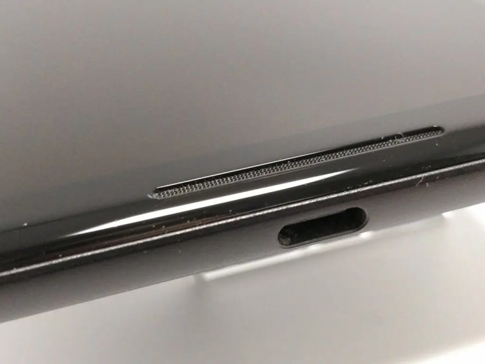 Pixel 2 XL 側面 USB-C