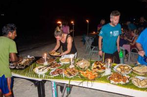 Abendessen am Strand | © Marcus Au
