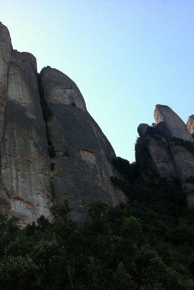 hik-Montserrat (1)