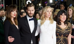 Dakota-Johnson-Jamie-Dorn-008