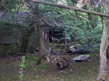 Very old looking remains of 'The Hut'