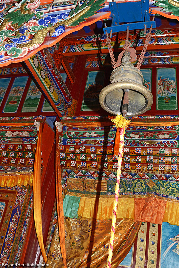 Spiritual, Lhakang, Tibetan bell