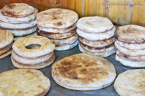 Tibetan bakery, Amdo bread, Rebgong bread