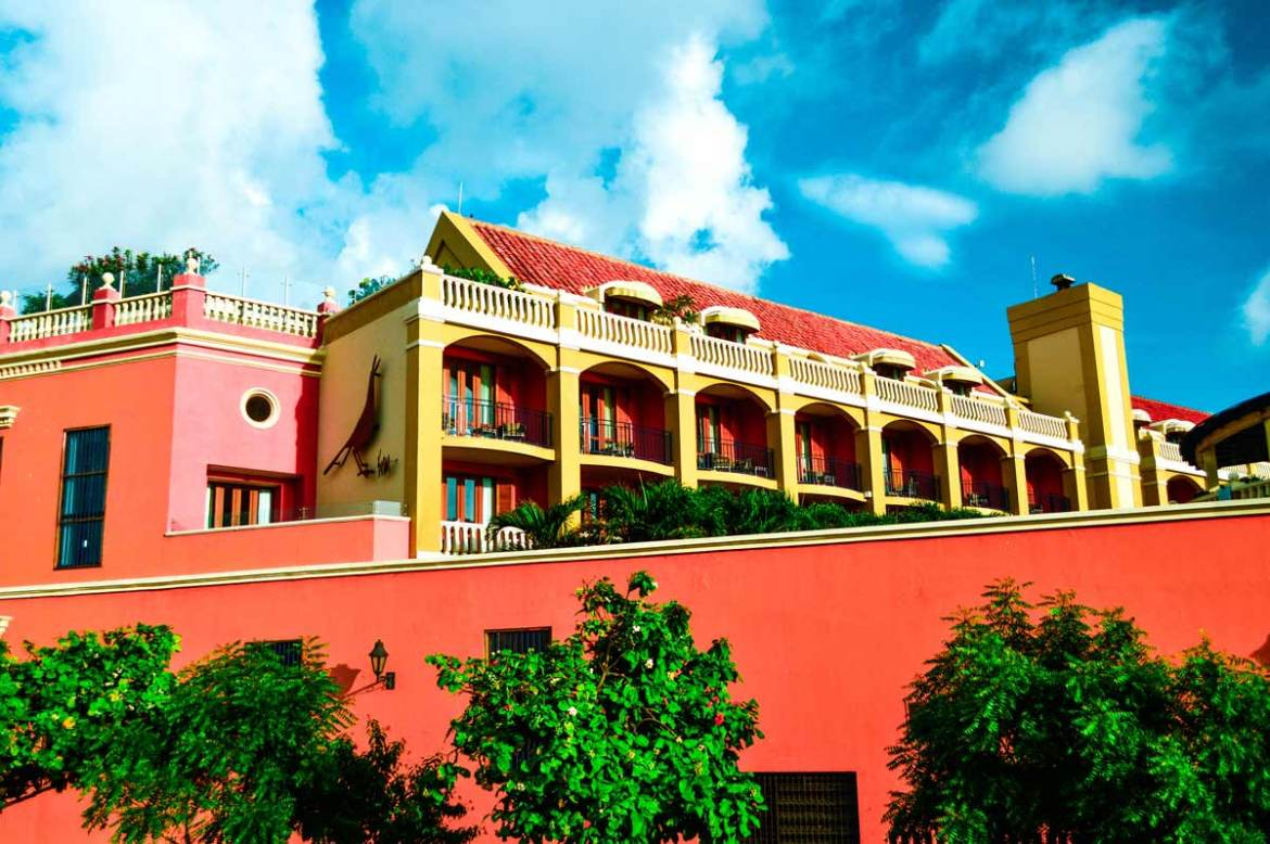 Beautiful-buildings-in-cartagena-colombia