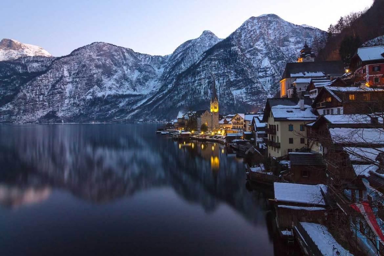 Hallstatt,-Austria-beautiful-winter