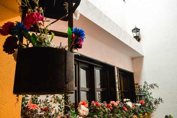staying-in-panajachel-casa-colonial-panasurf