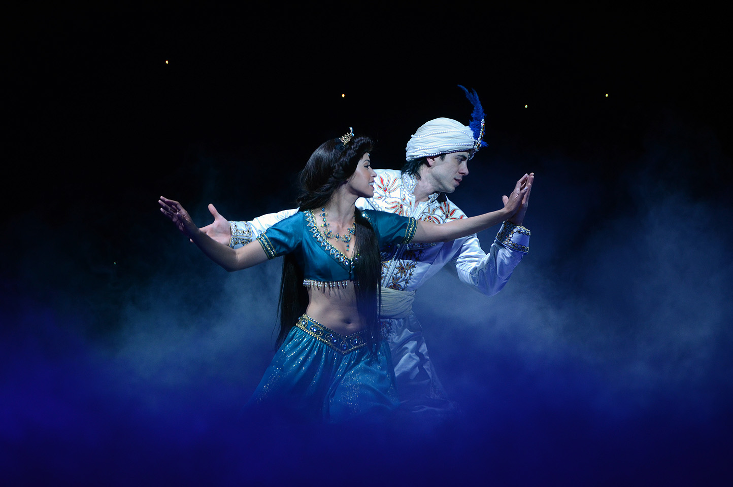 Aladdin Musical Fliegender Teppich Wie Jasmine Archives Beyond The Berm