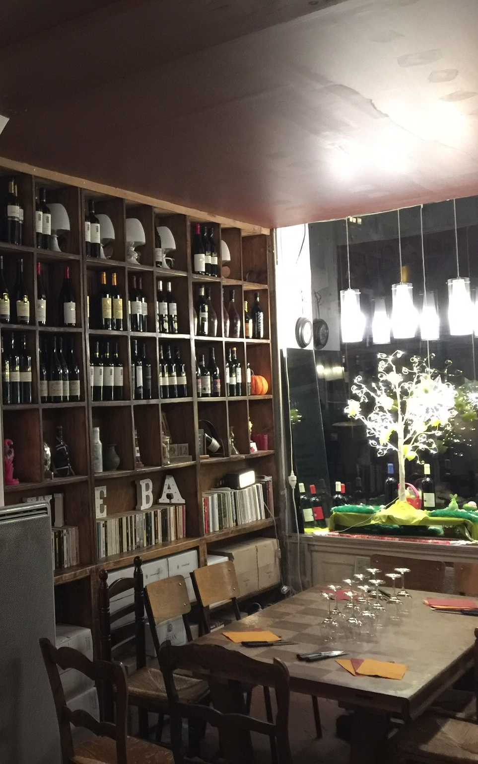 11eme Domaine – A Tantalizing Paris Wine Bar