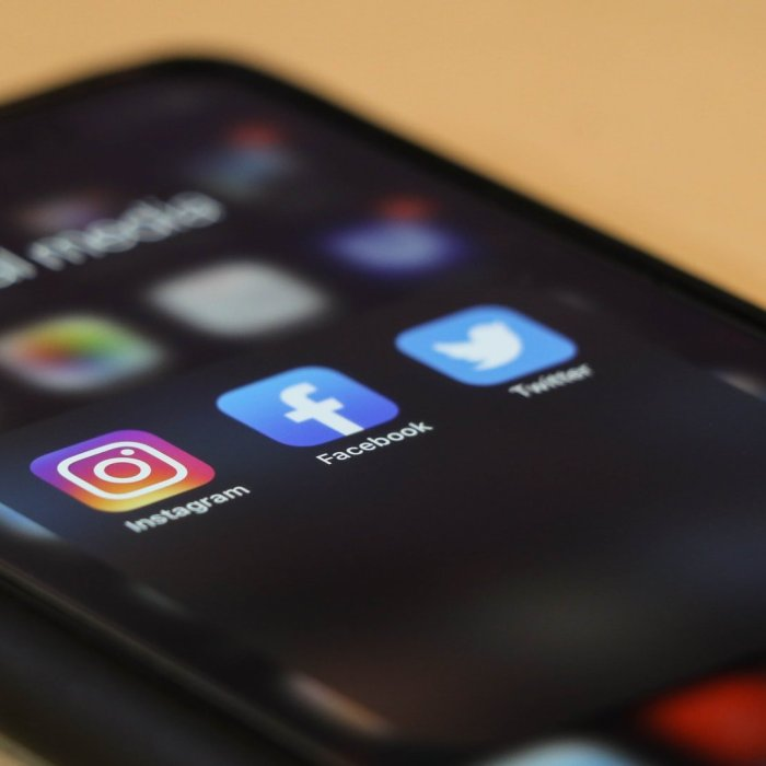 Ep 142: Promoting CRNAs & Anesthesia Through Social Media