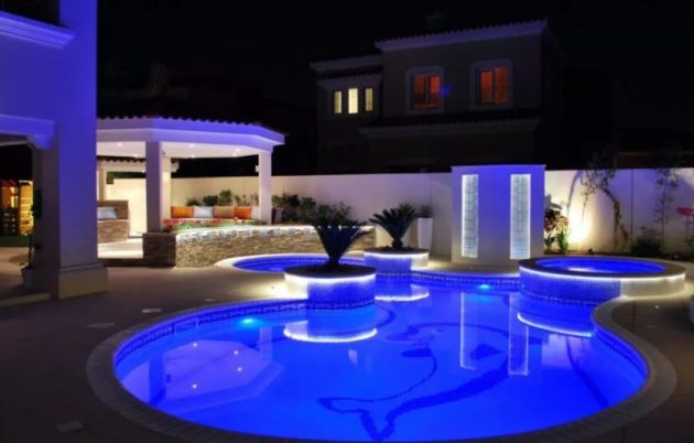 Sensational house with swimming pool design #swimmingpools #homedecor #indoorpool #outdoorpool