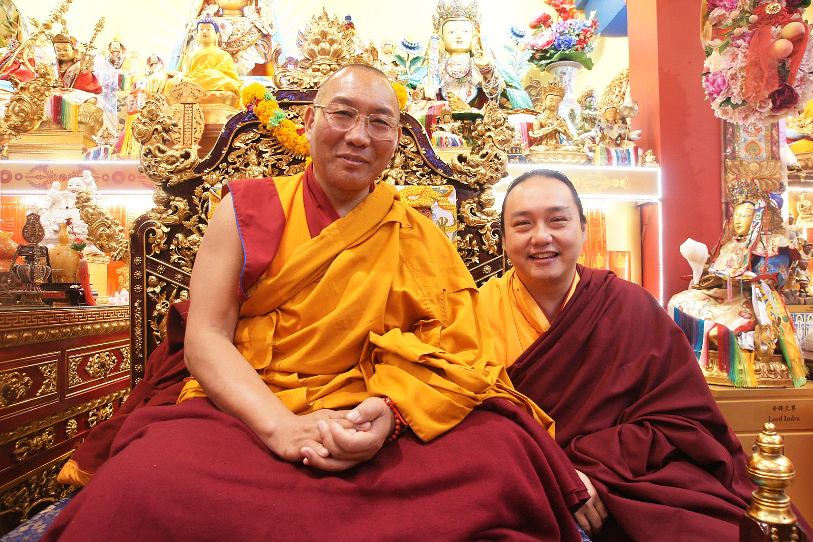 https://commons.wikimedia.org/wiki/File:With_Dagri_Rinpoche.jpg
