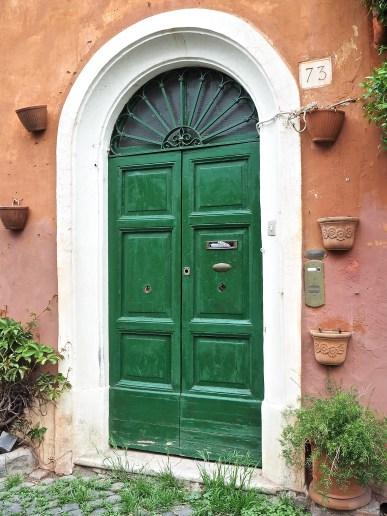 arch top green door Trastevere