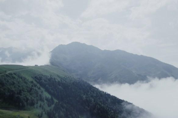 superbagnères mer de nuages pyrénées