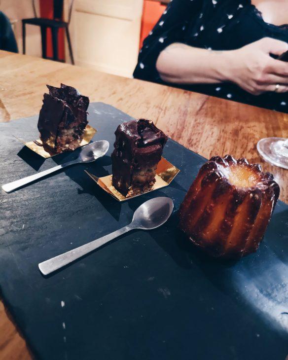 cannelé et gâteau au chocolat chez Puig & Daro à Biarritz