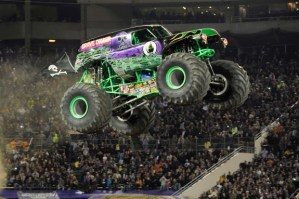 MONSTER JAM® PATH OF DESTRUCTION at the METLIFE STADIUM #NYNJMonsterJam