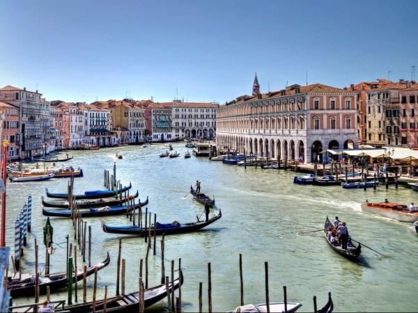 MICHELLE ROBERTON: Retreat In Italy