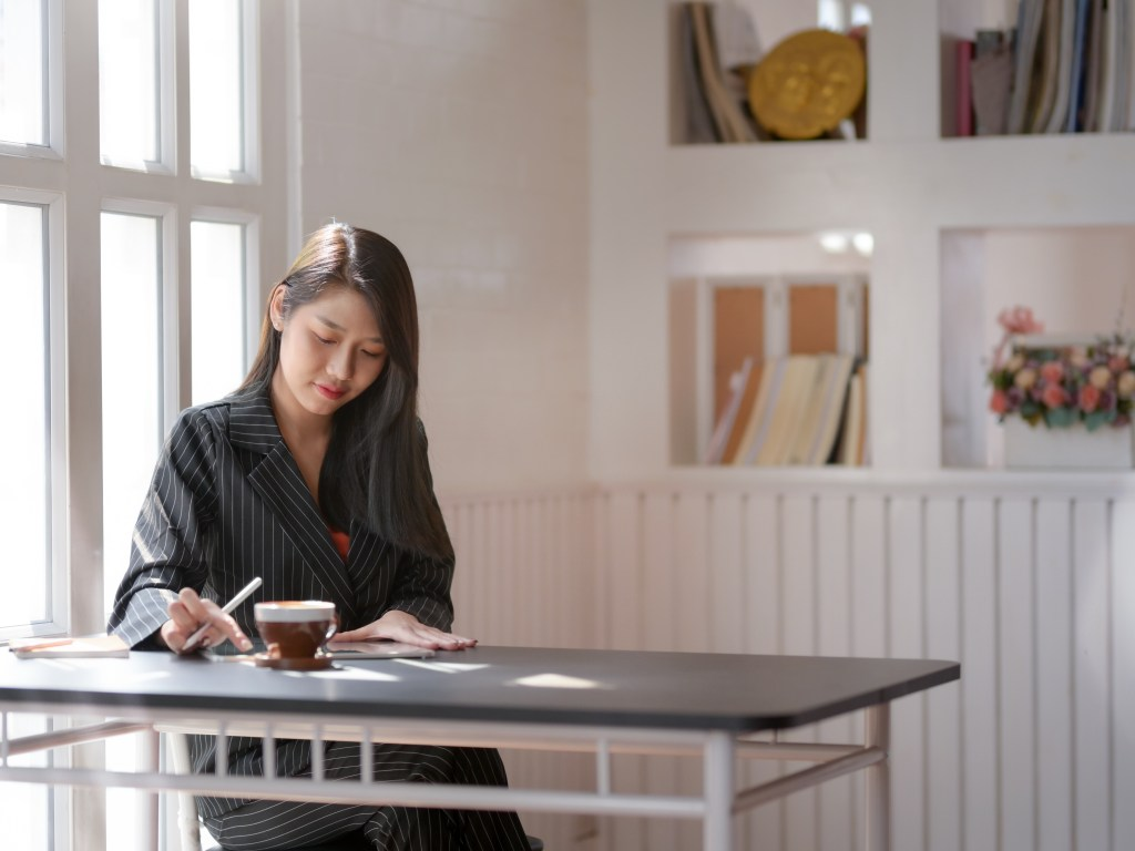 5 Stress-Relieving SME Finance Management Tips During By Valentina Pozzobon