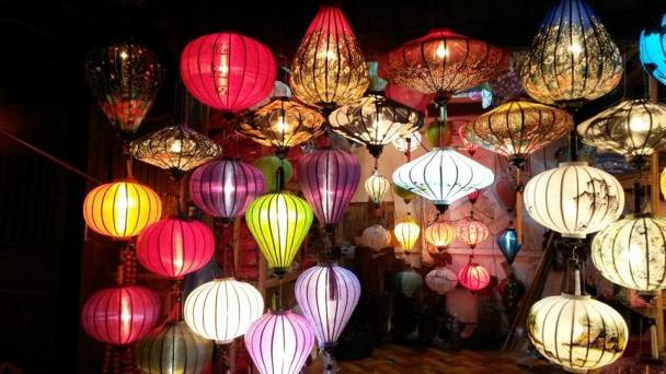 Lamps at the market