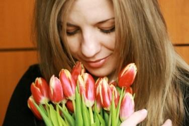 קני לעצמך פרחים