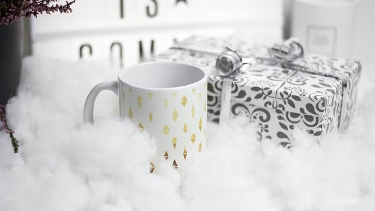 [Bezaubernde Weihnachten Gewinnspiel] Großes Überraschungspaket + Tasse von Hello Sunday