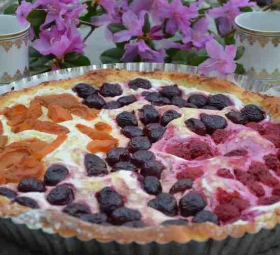 Kynutý ovocný koláč s tvarohem