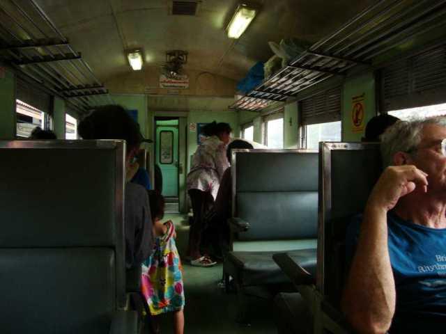 3rd class train Bangkok Ayutthaya