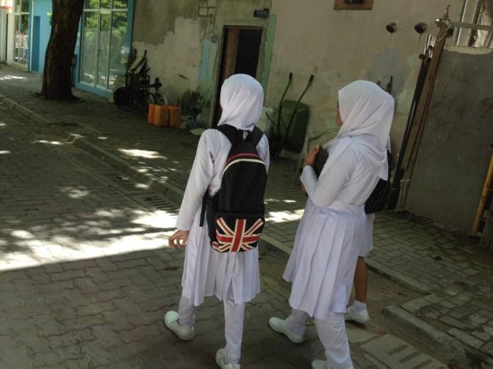 Študentky na Maledivách