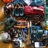 скалолазный инвентарь, снаряжение для скалолазания, снаряжение для альпинизма фото, экипировка для гор, экип для восхождений