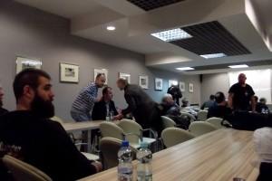 Rozmowy przed spotkaniem