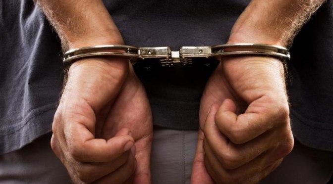 Twee verdachten aangehouden voor overval taxichauffeur en maaltijdbezorger