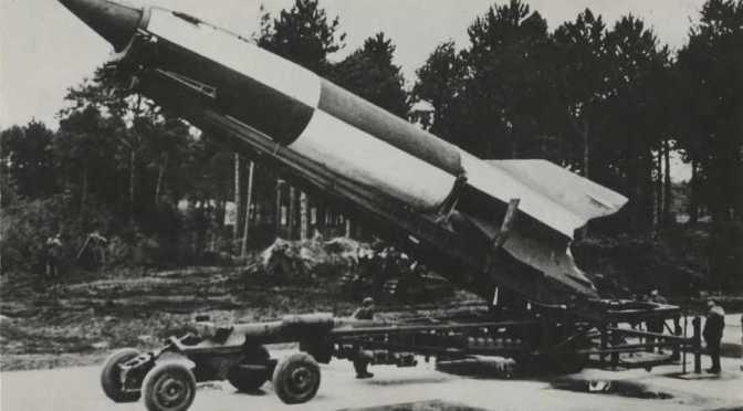 Aanval Royal Air Force op V2 lanceerplaats in Den Haag legt Bezuidenhout in puin