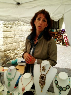 Jewelry designer, Uzes