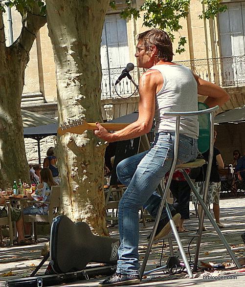 Musician in Uzes
