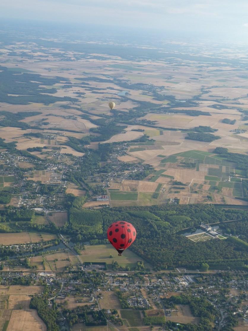 balloon over Château Chenonceau