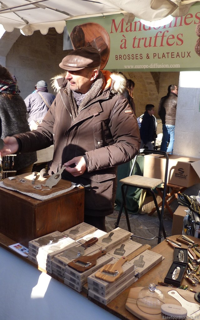 Truffle gadget vendor in Uzes