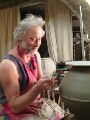Potter in San Quentin la Poterie