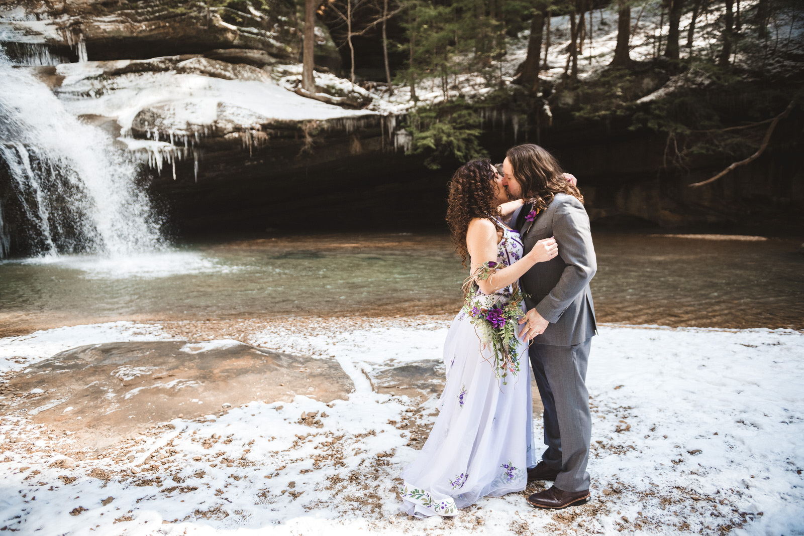 hocking-hills-ohio-wedding-elopement-cedar-falls